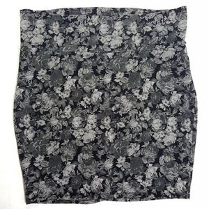 Torrid Floral Gray Pencil Skirt Size 3